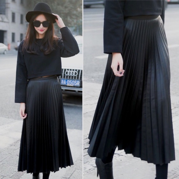 a63ddc998b Anne Klein Dresses & Skirts - Vintage Long Length Accordion Pleated Midi  Skirt